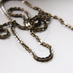 Hand Linked Chain- Rectangle 4mm (YIPF4)