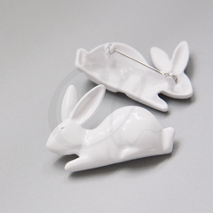 Base Metal Brooch - Bunny 43.5x29mm