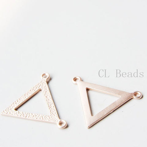 Base Metal Link - Triangle 35x28mm (106C)