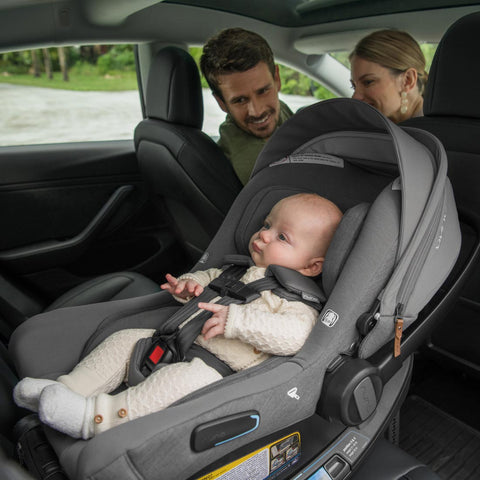 Baby riding rear facing in Pipa Lite RX