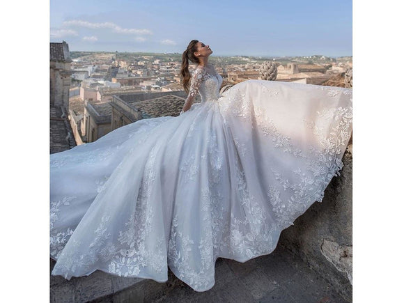 Dark Gray V-neck Long Sleeve Tulle Wedding Dress Court Train A-Line Bridal Gown