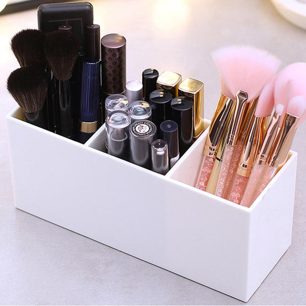 Monochrome Brush and Makeup Holder - Organise my makeup