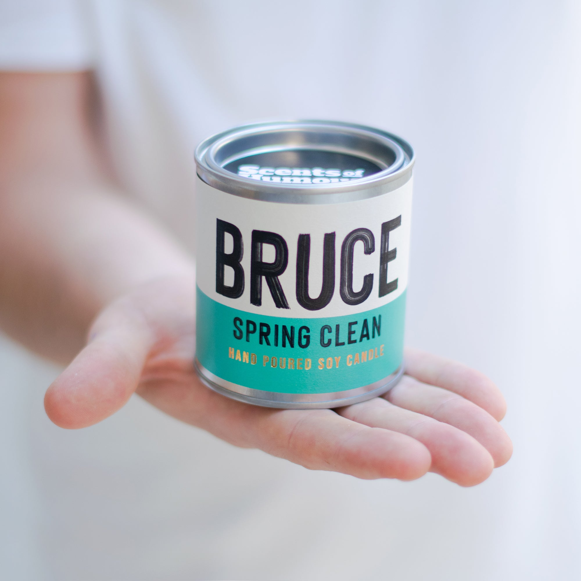 Bruce Spring Clean - Fresh cotton scented candle