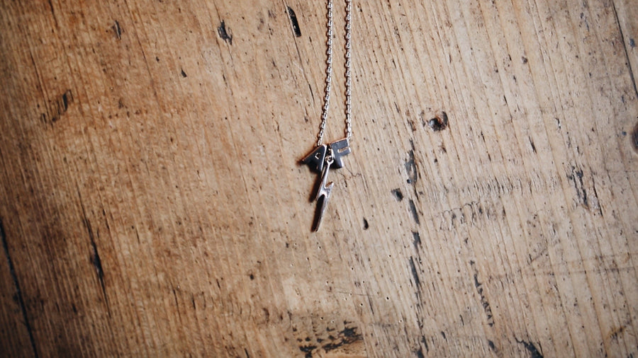 Personalised Initial Chain // Lightning Bolt