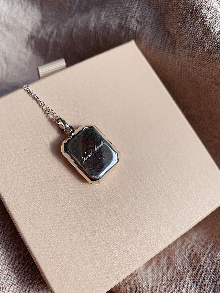 Locket ~ Love You To The Moon And Back / Rectangular