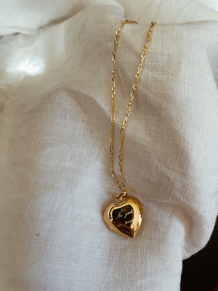 Locket ~ No Grit No Pearl / Heart