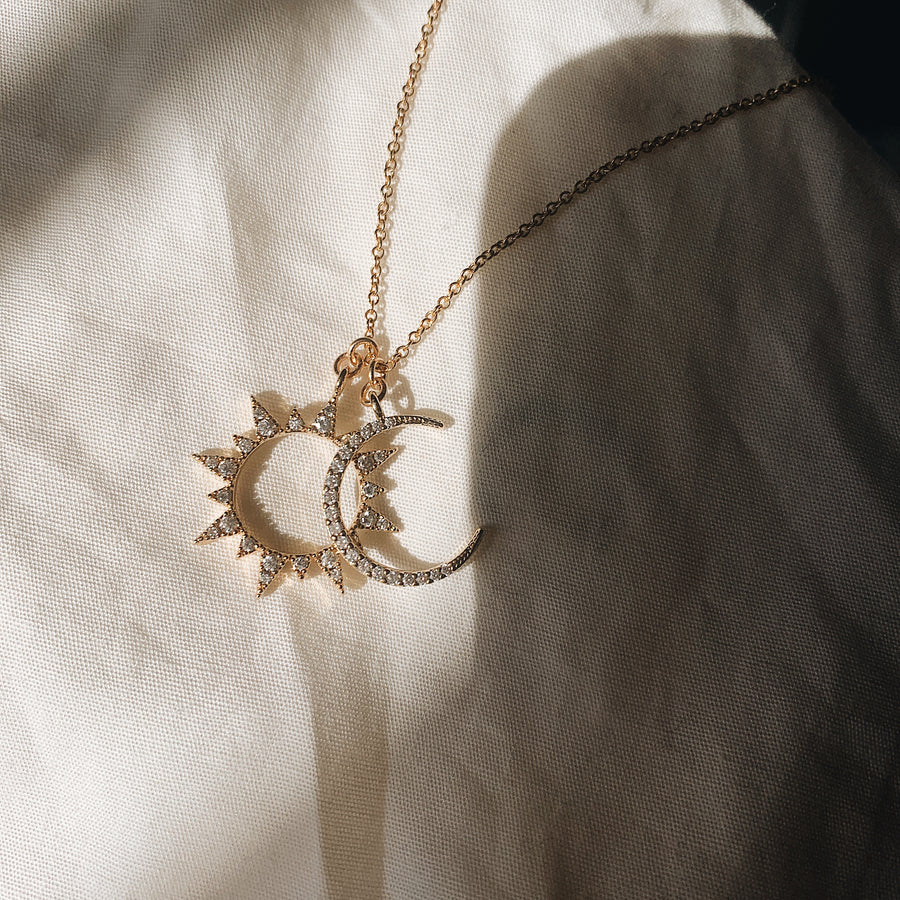 Lune et Soleil Chain (moon and sun)