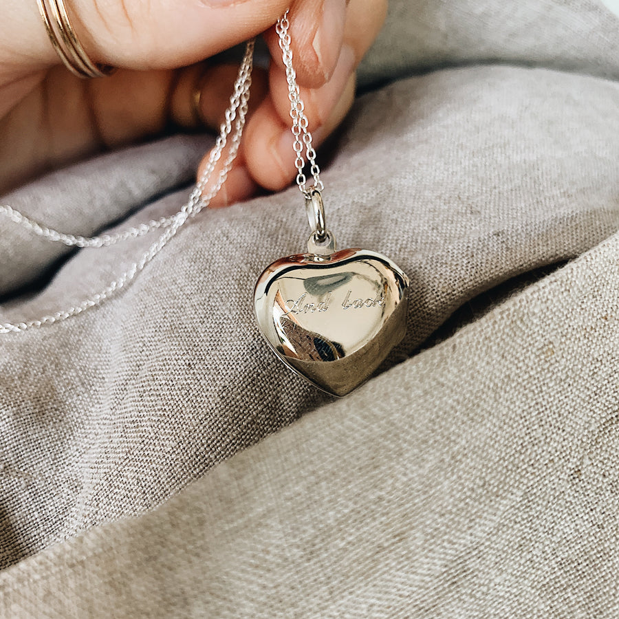 Locket ~ Love You To The Moon And Back / Heart
