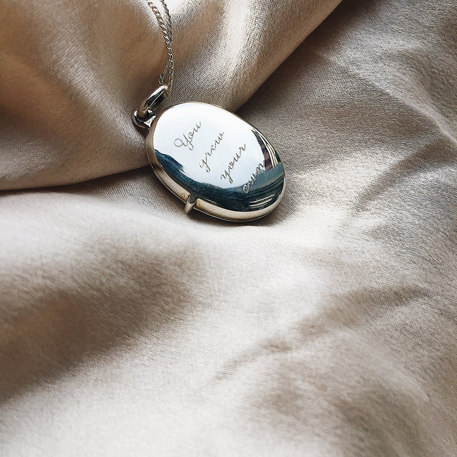 locket ~ beneath my bones /oval