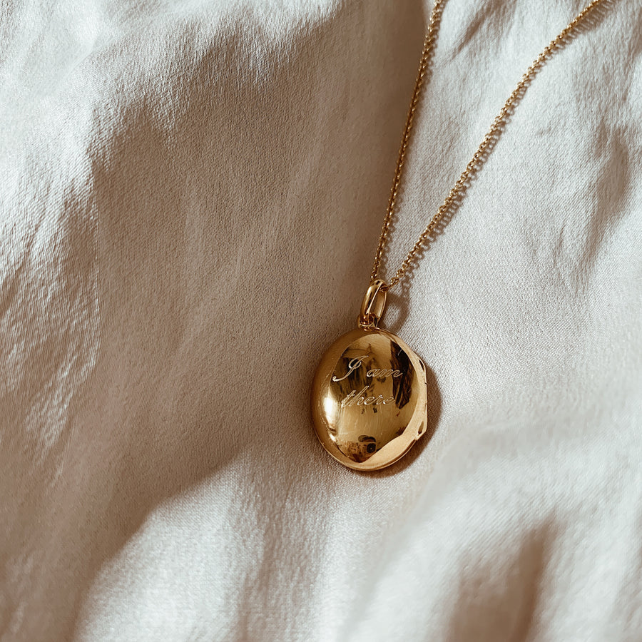 Locket ~ Oval / I Am There