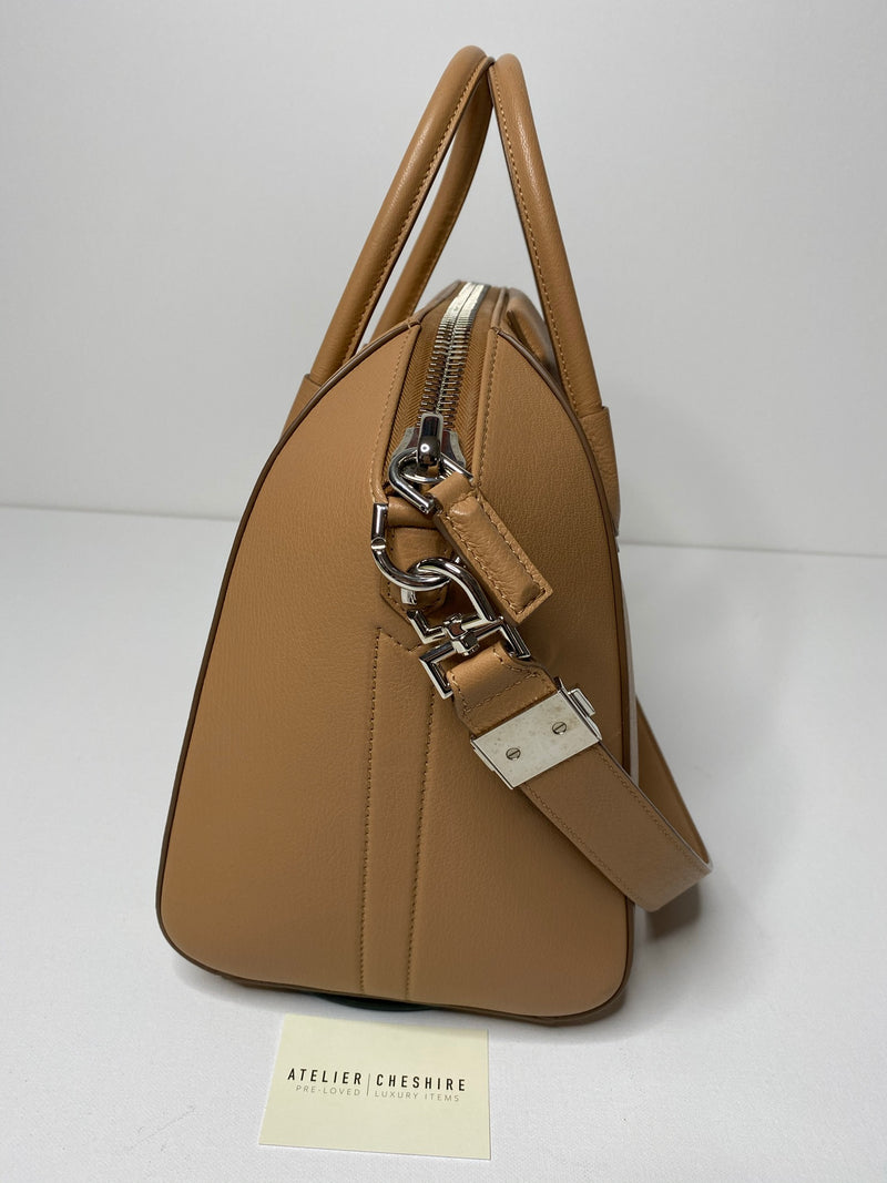 Givenchy Antigona Medium in Grained Camel