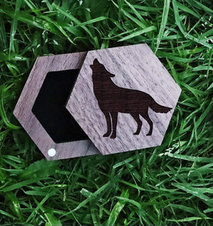 Open image in slideshow, everaftercreative Ring Box Wolf Wedding Wood Ring Box, Howling Wolves Ring Box, Wolf Gift Jewelry Box, Wolf Ring Box