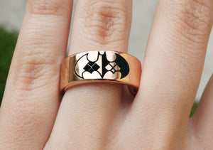 Open image in slideshow, everaftercreative Ring Harley Quinn and Batman Wedding Band, Superhero and Villain Engagement Ring