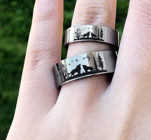 Open image in slideshow, everaftercreative Ring Howling Wolf Ring Set, Howling Wolves Wedding Ring, Wolves Wedding Band, Wolf Promise Ring