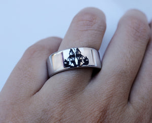 Open image in slideshow, everaftercreative Ring Native American Wolf Ring, Howling Wolves Ring for Man, Wolf Jewelry, Men's Tungsten Wedding Band.