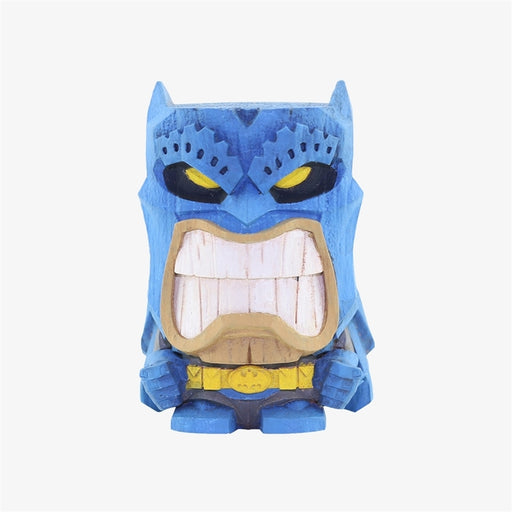 DC's most famous heroes and villains are ready to get tropical! DC Teekeez are 2.625-inch vinyl figures with a distinctive wood-carved aesthetic that are perfect for giving your home or office a relaxed, fun vibe. The figures are stackable.