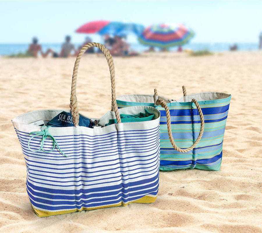 5 Must-Haves for Your Beach Bag