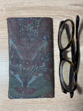 Load image into Gallery viewer, Vintage Silk Fabric Glasses Case