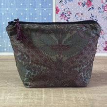 Load image into Gallery viewer, Vintage Silk Fabric Cosmetics Purse