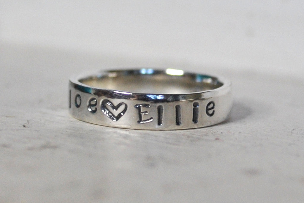 Mother's ring Personalised Sterling Silver - With names of your choice and heart / stars