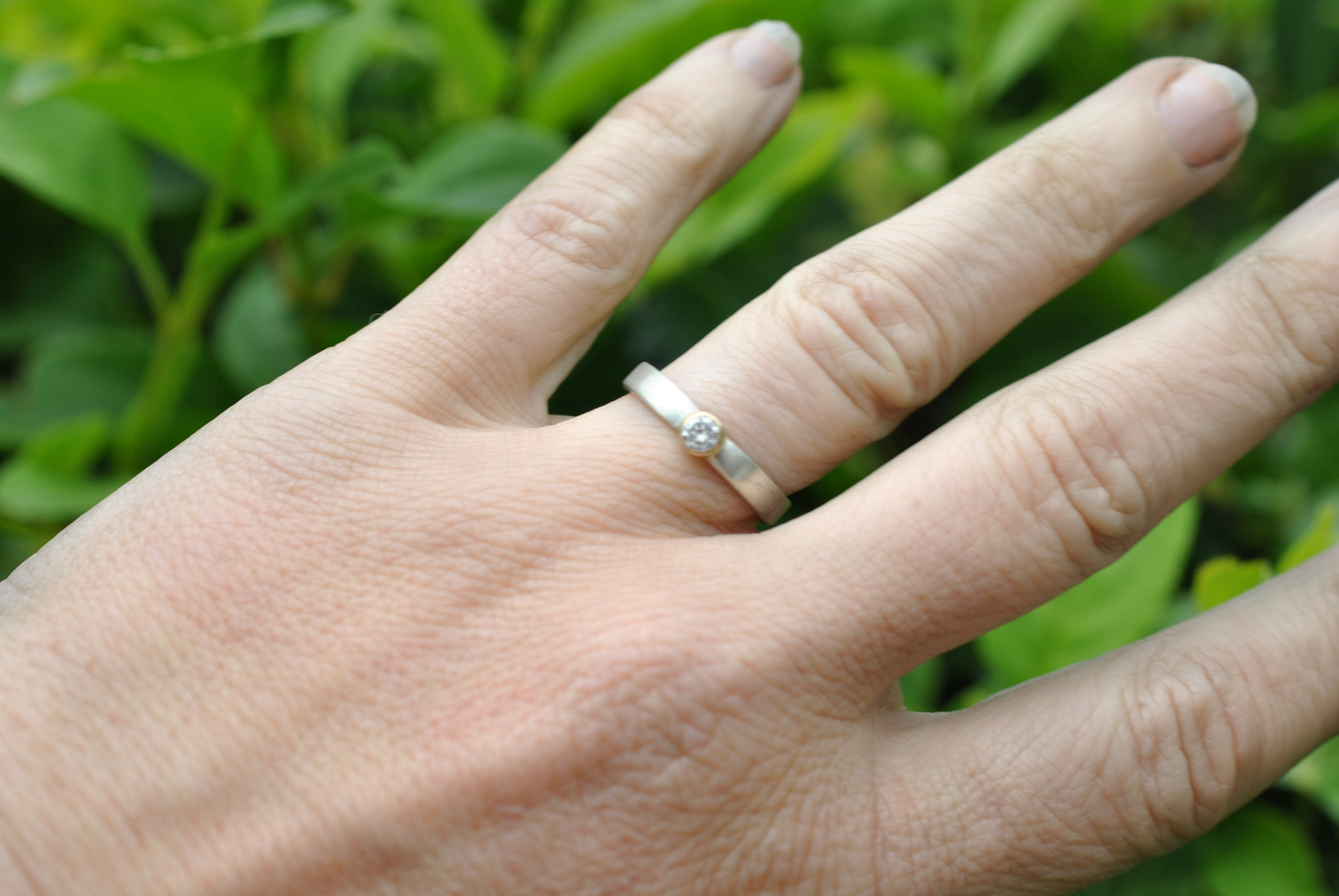 Simple Natural DIAMOND White Yellow Gold ENGAGEMENT RING solitare