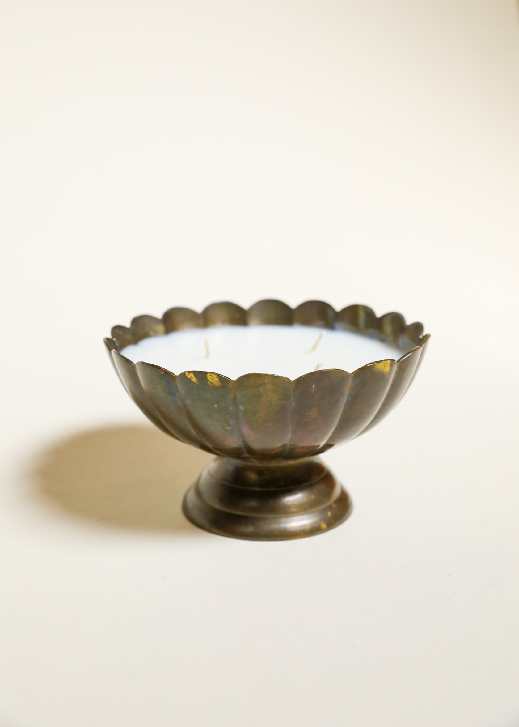Pedestal Scalloped Bowl Candle