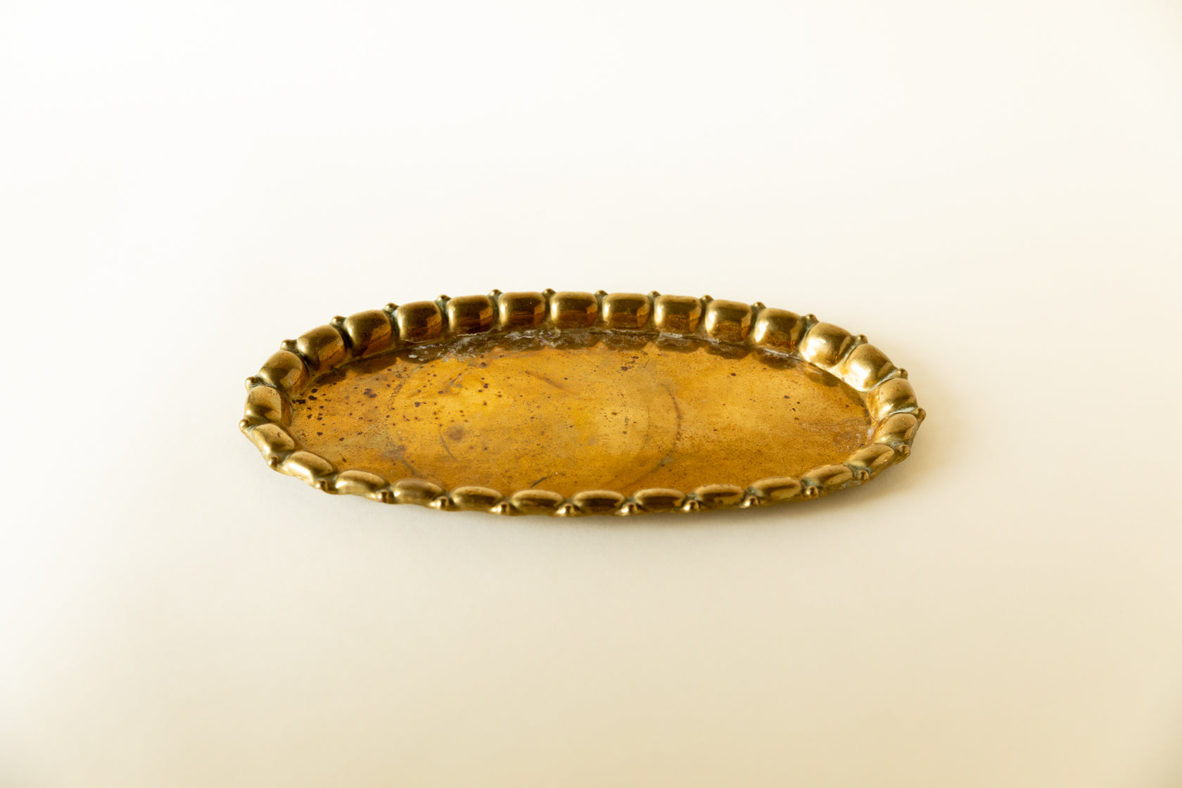 Oval Ornate Scalloped Brass Tray