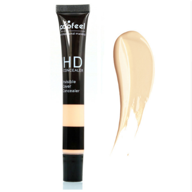 Image of one Creamy White single concealer with an exemple stain next to it that shows the color