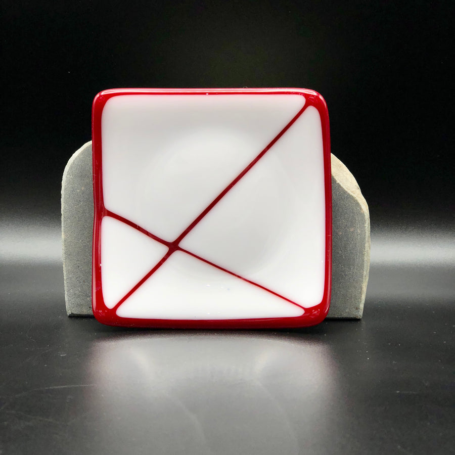 "Plate/Dish-SQ-4"": Red & White"