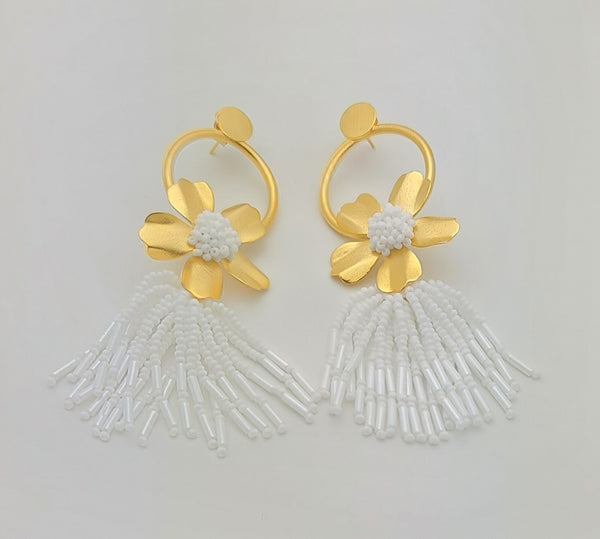 Chloe Earrings (White)