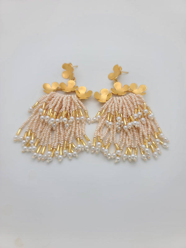 Cascade Earrings ( Beige/pearl/gold)