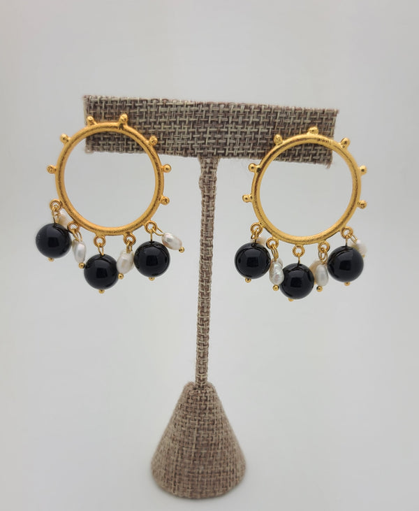 Margot Earrings (Pearls/Black agate)