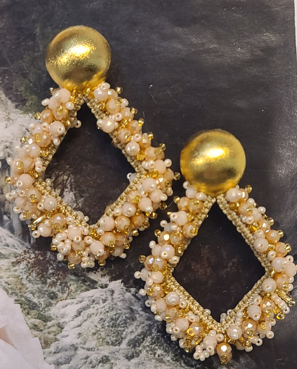 Greta beaded Earrings (Diamond shape/Pearl-Gold)