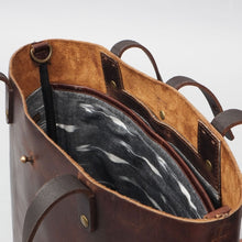 Load image into Gallery viewer, Dublin Leather  Tote