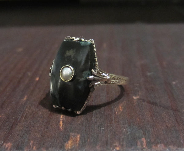 Art Deco Agate and Pearl Ring 14k c. 1920