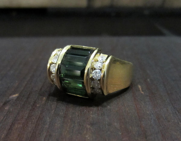 Very Chic Tourmaline and Diamond Ring 18k c. 1980s