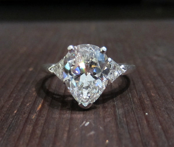 Late Art Deco Pear Cut Diamond 2.41ct FVS1 Engagement Ring Platinum c. 1940