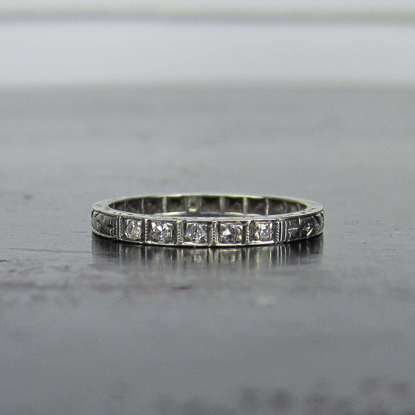 Art Deco Five Diamond Engraved Band 18k c. 1930