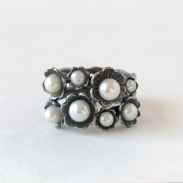 Beautiful Mid-Century Pearl Flower Band Sterling c. 1950, size 9