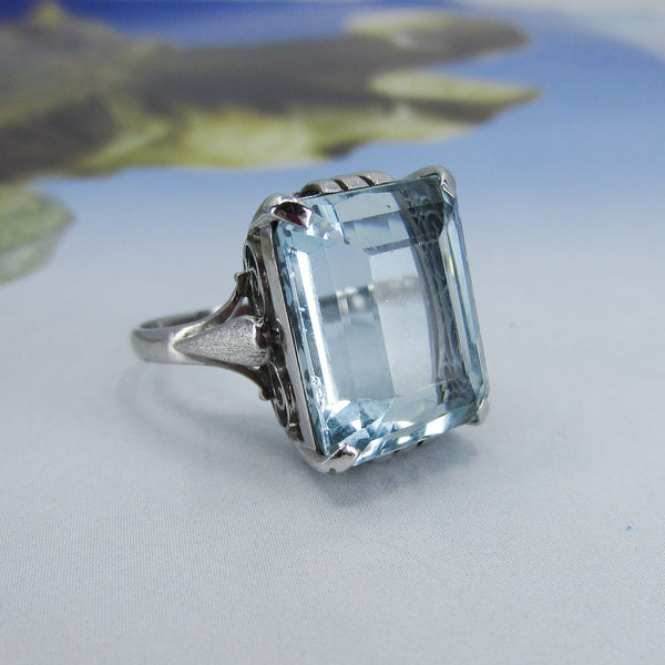 Mid-Century Aquamarine 15.50ct Ring 14k c. 1960