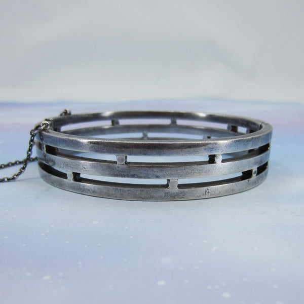 Heavy Mid-Century Taxco Hinged Bangle Sterling, Cony c. 1950
