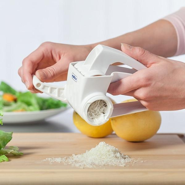 Zyliss Classic Cheese Grater - Cookery