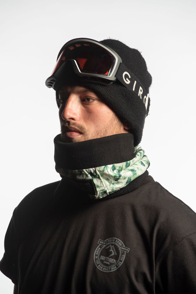 green winter snowboarding neck warmer