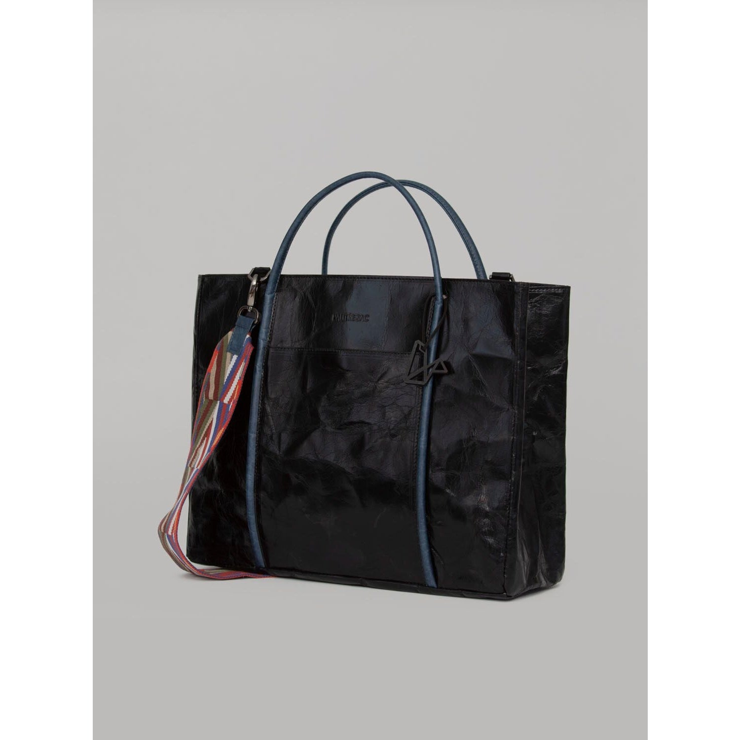 Virginia Black Shopper Bag