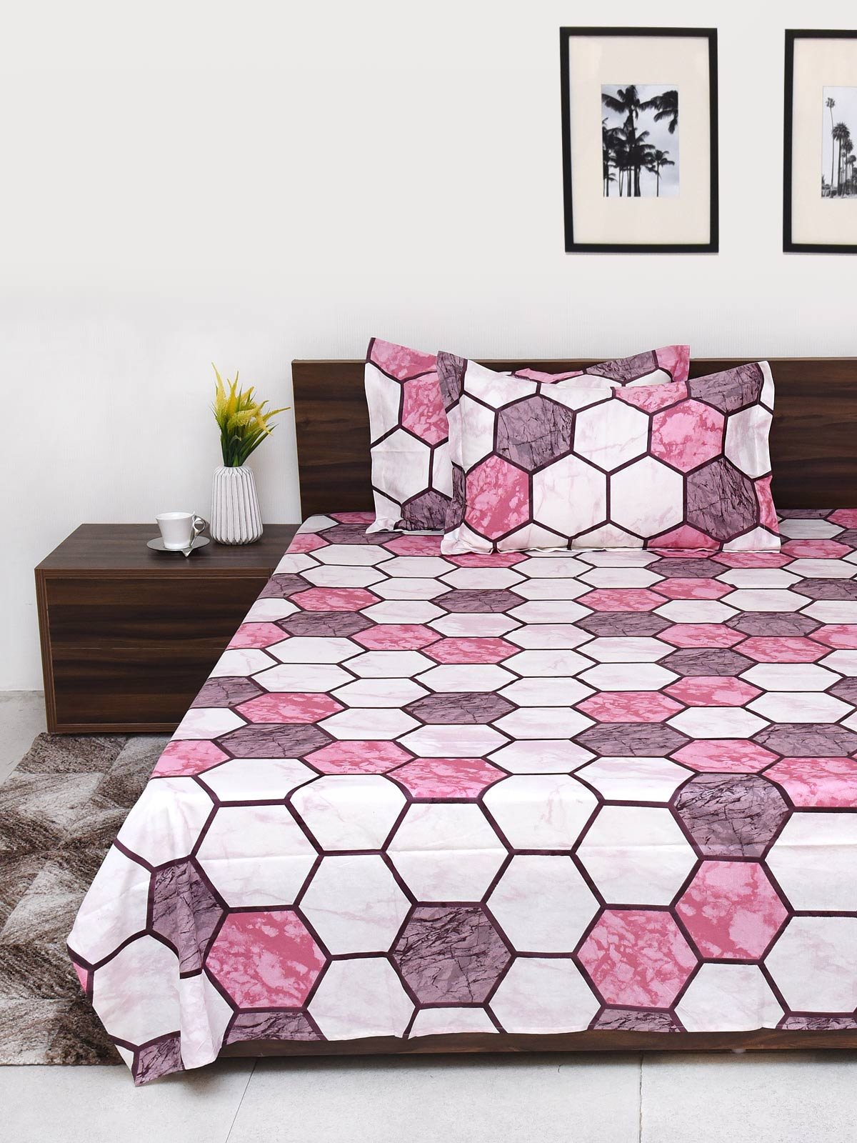Pink geometrical cotton bed sheet double bed size 90x100 inches - Brown, white