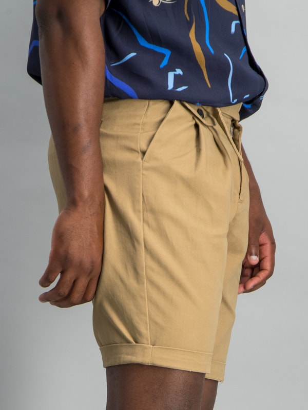 PLEATED BELT CHINO SHORT KHAKI - KHAKI