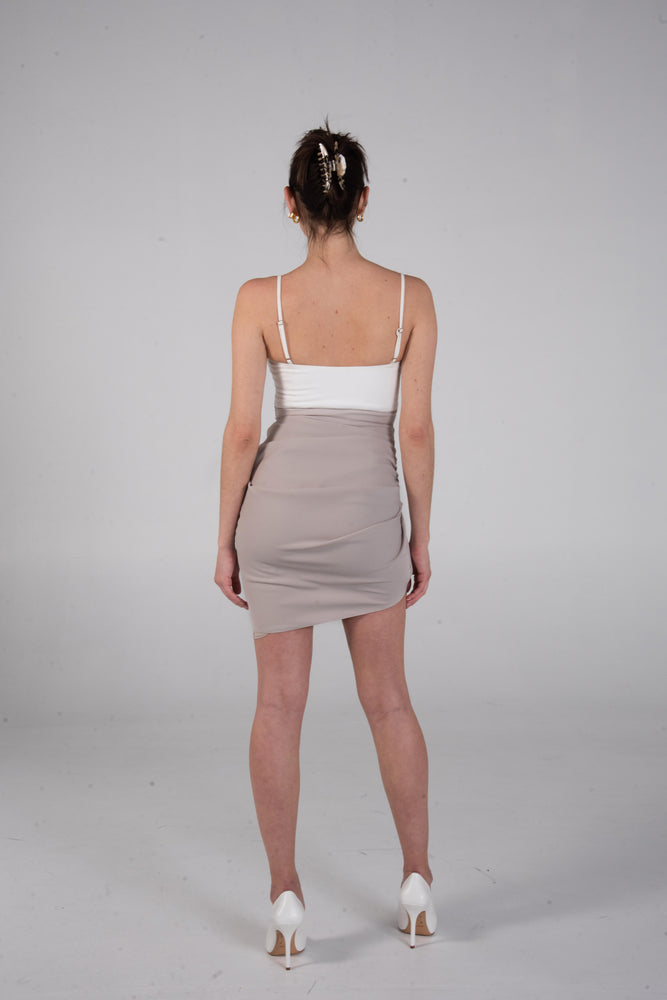 Load image into Gallery viewer, BO DRESS WHITE/TAN