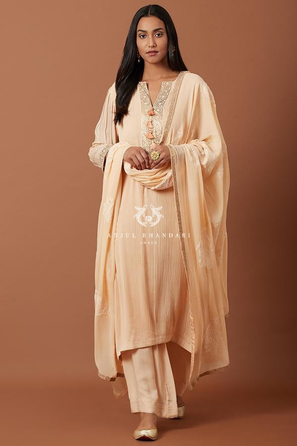 Load image into Gallery viewer, Peach Pleating Straight Suit Set Kurta Set