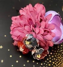 Load image into Gallery viewer, Floral bundle hair clip