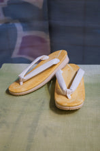 Load image into Gallery viewer, Memory foam sandal